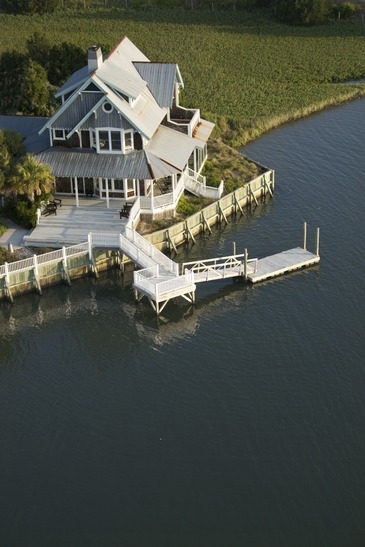 Three Things to Know About Docks When Buying a Home on a Lake with a Dock